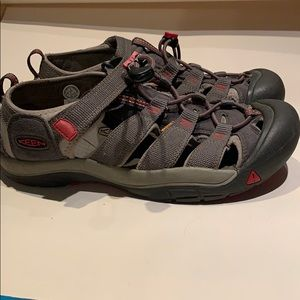 Keen Waterproof Newport H2 Shoes Gray Red 1016282